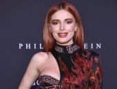 """شاهد.. بيلا ثورن بإطلالة ساحرة وخاطفة للأنظار فى عرض أزياء """"Philipp Plein"""""""