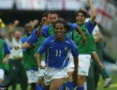 بالصور.. رونالدينيو يعود لكرة القدم مع كويريتارو المكسيكى