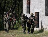 أوكرانيا تعلن مقتل جندى وإصابة 4 آخرين فى دونباس