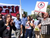 بالصور.. تونسيون يتظاهرون رفضا لقانون العفو عن متورطين فى الفساد