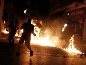 بالصور.. اشتباكات بين الشرطة اليونانية ومحتجين خلال ذكرى مقتل مغنى راب