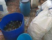 بالصور.. ضبط مصنع عصير يستخدم زجاجات مجمعة من القمامة والمستشفيات بسوهاج