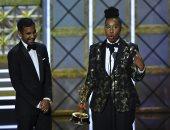 لينا وايث أول سمراء تفوز بجائزة Emmy أفضل سيناريو لمسلسل كوميدى