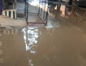 بالصور.. غرق شارع الإمام الحسين ببولاق الدكرور فى مياه الصرف الصحى