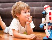 خبراء يحذرون: الأطفال قد يستغنون قريبا عن أصدقائهم من أجل الروبوتات