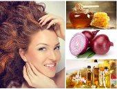 احمى شعرك من التساقط بطريقة طبيعية.. ماسك العسل والبصل هو الحل