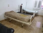 """بالصور.. خرابة اسمها """"ديروط المركزى""""..مستشفى غير آدمى يأوى القطط والنفايات"""