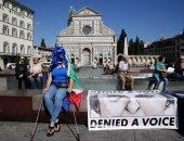 بالصور.. مظاهرات فى إيطاليا قبل إلقاء تيريزا ماى خطابها حول البريكست بمدينة فلورانس