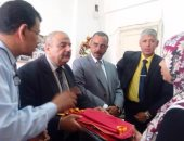 """""""التضامن"""": توزيع 3260 شنطة ومستلزمات مدرسية لأبناء الأسر المستحقة بالقاهرة"""