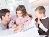 خلى بالك من تصرفاتك.. دراسة تؤكد الأطفال يتعلمون الإرادة من سلوكيات البالغين