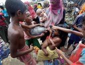 بالصور.. الروهينجا يتلقون المساعدات فى مدينة بازار كوكس ببنجلاديش