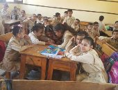 المُدرسة صاحبة واقعة السب بالشرقية: زميلى تعدى علىَّ بسبب نتيجة طالبة
