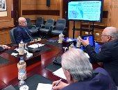 بالصور.. رئيس الوزراء يتابع الموقف التنفيذى لمشروعات محافظة الوادى الجديد