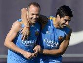 التشكيل الرسمى: عودة سواريز وإنييستا لقيادة برشلونة أمام جيرونا