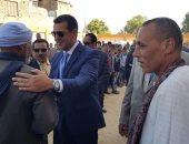 بالصور ..محافظ أسيوط يفتتح مدرسة الشهيدين بقرية الواسطى