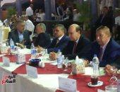 بالصور.. مرشدو هيئة قناة السويس يكرمون الفريق مميش فى الاحتفال بعيدهم
