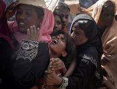 بالصور.. مسلمو الروهينجا يصطفون للحصول على المساعدات الإنسانية فى بنجلادش