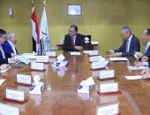وزير النقل يبحث العرض الصينى لتنفيذ أول قطار سريع فى مصر
