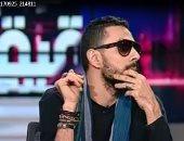 """بالفيديو.. مشادة كلامية بين مدافع عن """"الشواذ"""" وأحمد مهران.. والأخير : """"خربتوا البلد"""""""