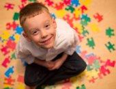 أعراض مرض التوحد ونصائح للتعامل مع الأطفال المصابين