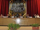 رئيس جامعة القناة لخريجى الصيدلة: أنتم قادرون على بناء منظومة الدواء بمصر