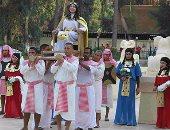 بالصور.. متسابقات ملكة جمال السياحة يحتفلن باليوم العالمى للسياحة بالقرية الفرعونية