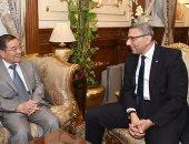 """بالصور.. سفير بكين بالقاهرة يجدد الدعوة لـ""""عبد العال"""" لزيارة البرلمان الصينى"""