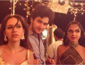 """عمرو سلامة ينشر صورة من كواليس تصوير أغنية """"ثلاث دقات"""""""
