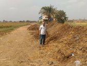 """بالصور.. لجنة من وزارة البيئة تتابع """"كومات السمادية"""" لقش الأرز بالشرقية"""