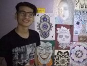 قارئ يبدع فى رسم لوحاته وبورتيرهات للملامح بالقلم الرصاص