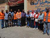 حى الوايلى يرفع كفاءة 6 شوارع ومدرسة بمشاركة شبابه