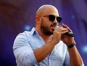 """كليب محمود العسيلى الجديد """"مش مضمون"""" يقترب من 200 ألف مشاهدة على يوتيوب"""