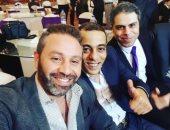 سيلفى يجمع حازم إمام وأصدقاءه.. والثعلب: صحابى من وإحنا عندنا 15 سنة