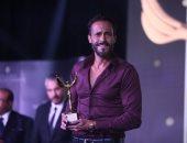 """يوسف الشريف من مهرجان الفضائيات العربية: """"الجائزة دى بفضلكم"""""""