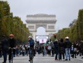 عمدة باريس تمنع سيارات البنزين وتستبدلها بالكهربائية والدراجات حتى 2030