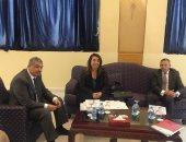 غادة والى تجتمع بوزير العمل الأردنى لبحث تحويل تأمينات العاملين المصريين
