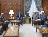بالصور.. الإمام الأكبر يستقبل سفراء مصر الجُدد فى المغرب والفاتيكان وميانمار