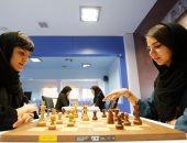 لاعبة شطرنج إيرانية تنافس باسم أمريكا بعد منعها من الانضمام لفريق بلادها