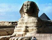 صحيفة بريطانية: لوحة أثرية عمرها 281 عاما تبرئ الفرنسيين من هدم أنف أبو الهول