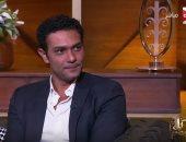 """آسر ياسين لـON E: أعمل على تخفيض وزنى لـ60 كيلو حتى يتناسب مع دور """"تراب الماس"""""""