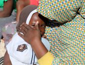 بالصور.. إنقاذ 90 مهاجرًا غير شرعى بينهم نساء وأطفال قرب صبراتة الليبية