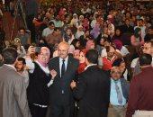 محمد محسن يتألق بمسرح جامعة القاهرة.. والخشت: نعد لمفاجأة فنية كبيرة