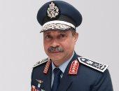 وزير الطيران الجديد يجرى جولة تفقدية فى مطار القاهرة الدولى