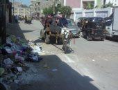 شكوى من تراكم القمامة بمحيط مدرسة صفية زغلول الابتدائية بالمحلة الكبرى