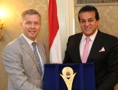 وزير التعليم العالى يلتقى السفير الكندى: التعاون مع الدول المتقدمة أولوية