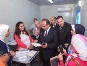 """محافظ الإسكندرية يتفقد حملة """"القضاء على فيروس سى"""" تحت شعار """"حلل واطمن"""""""