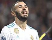 بالفيديو.. الأرقام تفضح موسم بنزيما الأسوأ مع ريال مدريد