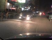 قارئ يشكو من سير السيارات عكس الاتجاه وعدم وجود رقابة مرورية بمزلقان عين شمس