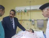 مدير أمن الإسكندرية فى زيارة للمقدم حجازى المصاب أثناء محاولته إخماد حريق
