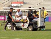 بالفيديو.. نقل لاعب طنطا للمستشفى بعد سقوطه المفاجئ أمام الطلائع